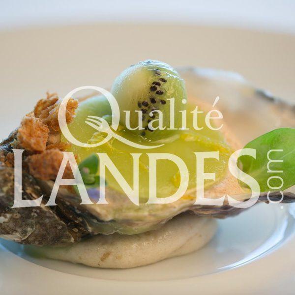 Huîtres et Kiwi de l'Adour, crème de pain de seigle
