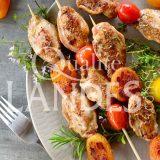 Recette de Brochettes de filets de Cailles Fermières des Landes aux abricots et tomates cerises