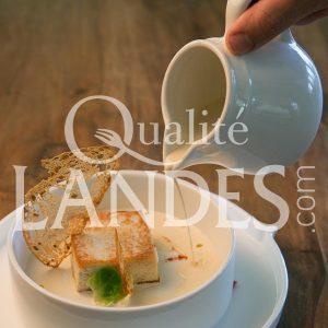 Recette de Quenelle de Pintade Fermière des Landes au carré et sauce au vin jaune